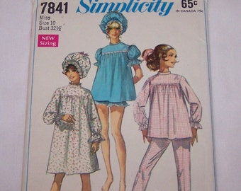 """Vintage Simplicity Sewing Pattern 7841 Pajamas Nightgown Curler Cap Miss Size 10 Bust 32.5"""" 1968"""