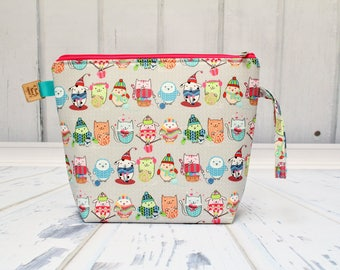 Knitting friends fabric Large Clutch Project Bag, Cross Stitch Project Bag, Large Wedge Zipper Bag for Knitting and Crochet.Padded Bag