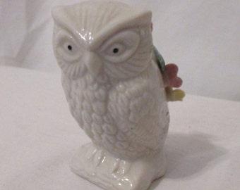 "Vintage OWL PIN CUSHION Flower Detail  3"" High Ceramic"
