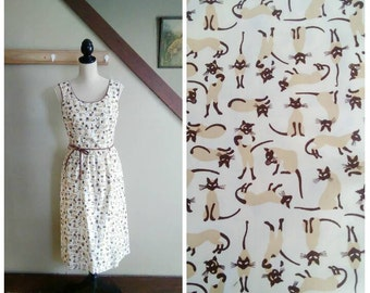 Here Kitty, Kitty 1960s White/Brown/Tan Siamese Cat Novelty Print Dress