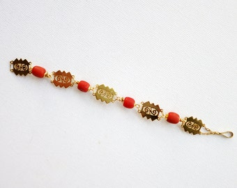 Short Vintage Coral Bracelet in 8K Gold from the Philippines
