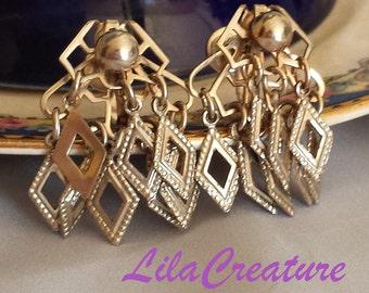 1970s Gold-tone Dangle Earrings