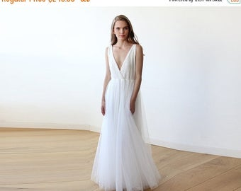 Spring Sale Ivory sequins bridal tulle gown, Tulle and sequins wedding gown 1094