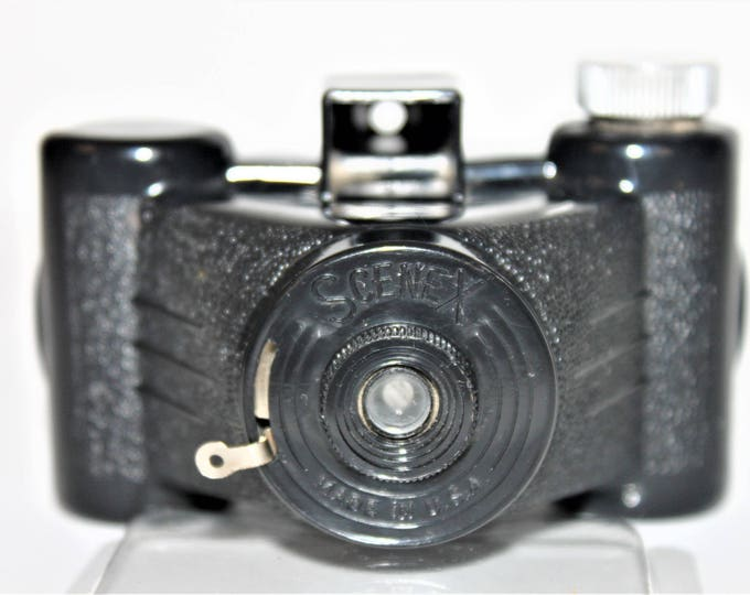 Vintage 1950's Mini Scenex Camera by the Earl Products Co