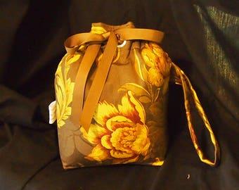 Camera Bag \ Drawstring Cozy \ Water Resistant \ Canon Nikon Olympus Sony \ Camera Pouch \ Wrist Strap \ Camera case \ Camera Purse 6x5x9
