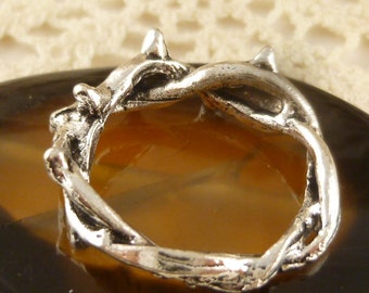Crown of Thorns Twisted Ring Connector Charm, Antiqued Silver (6) - S83