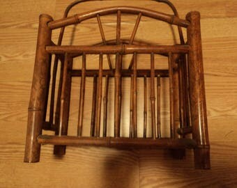 Magazine holder made from bamboo