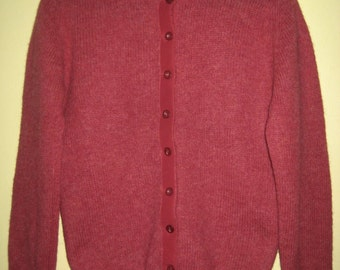 VINTAGE Rose Red CARDIGAN SWEATER 100% Scottish Shetland Wool Archie Brown & Son Size Ladies/Womens 36 Hamilton Bermuda