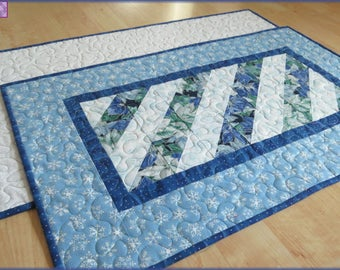Quilted Christmas Table Runner Quilt Blue Poinsettia 541