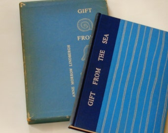 Gift From the Sea with Slipcase - Anne Morrow Lindbergh -  First Pantheon 1955 - George W. Thompson - Antique Illustrated Hardcover Book