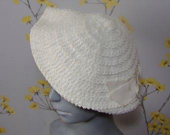 Vintage 1940s Cream Woven Halo Hat Pancake Style Hat Webflex Small Size Hat White Woven Raffia Hat Ribbon Design