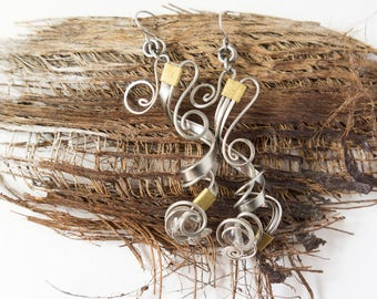 cristal quartz earrings · wire wrapped earrings · handmade wire wrap earrings · handmade wire wrap jewelry · assymetric earrings · sensitive