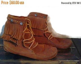 SALE Minnetonka Tramper Moccasin boots Fringe Leather Suede Side 6