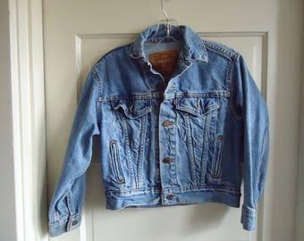 Vintage 80s LEVIS Denim Cropped Jean Jacket sz XS