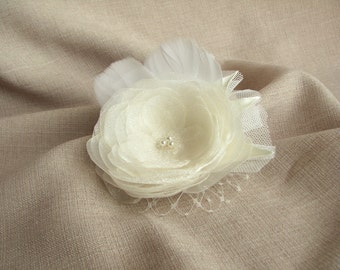 Bridal hair clip ivory flower Wedding hair piece Head piece Fascinator with feathers