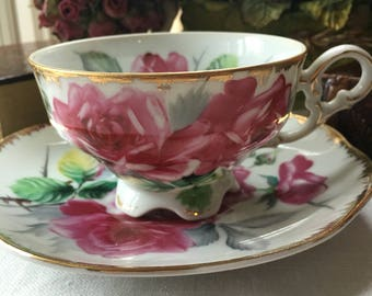 Lefton Teacup and Saucer Set Bright Pink Roses with Gold Trim
