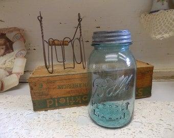 1 Vintage Mason Jar with Wire Basket/Caddy Aqua Quart Blue Ball Perfect with Zinc Lid B612