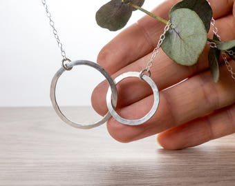Interlocking Circle Necklace - Eternity Geometric Necklace - Mother Daughter Necklace - Mothers Day Gifts for Mom - Modern Minimal