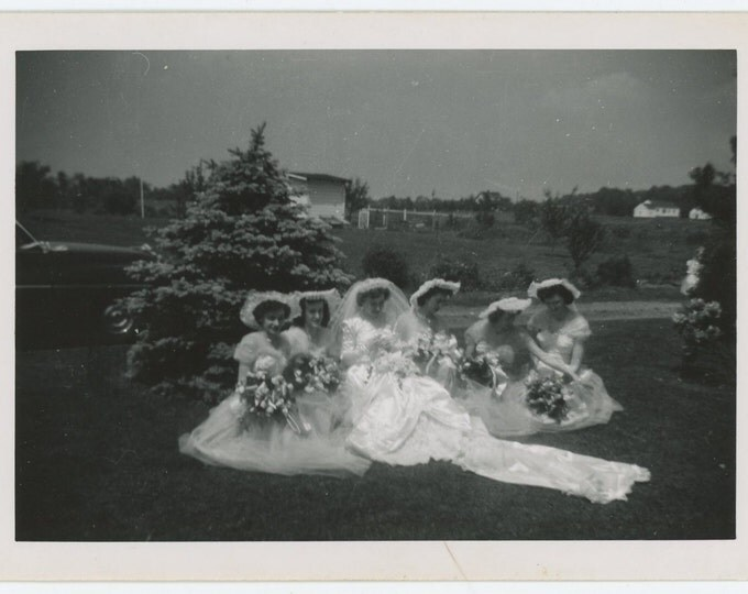 Vintage Snapshot Photo: Bride & Bridesmaids, c1950s (71545)