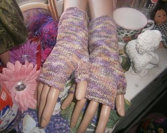 Woman's Fingerless Mitts