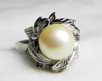 Vintage Pearl Ring Platinum Pearl Engagement Ring  8 mm Pearl Ring June Birthday Gift for Women Vintage Platinum Ring