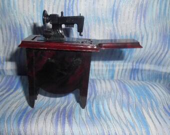 Miniature Plastic Sewing Machine