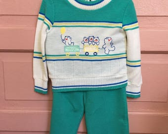 Vintage two piece outfit, Spring sweater set, bears and trains, unisex vintage retro baby clothes, boy vintage Size 12M