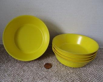 Oneida DeLuxe Bright Yellow small bowls Melamine Set of 8