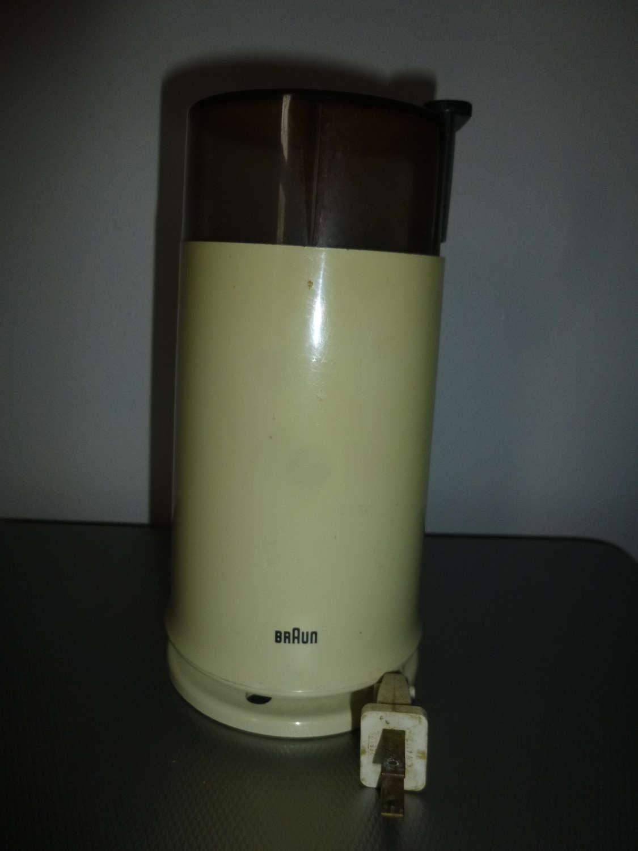 Vintage möbel weiss braun  Rare Vintage Braun coffee grinder off white model KSM 2