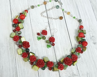 Red Roses Jewelry Crochet Set(necklace,earrings),Red Roses Necklace,Red Roses Earrings,Crystals Necklace,Roses Jewelry handmade by CyShell