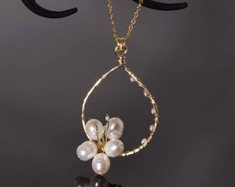Freshwater pearl necklace with 14k gold filled wire | Nature jewelry | Cherry blossom necklace | Pearl pendant necklace