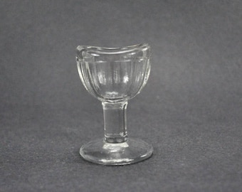 Vintage Eye Wash Eye Cup Footed Pedestal Clear Glass 8 Panel