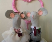 Felt Wedding Mice Custom order for Fleur. Christmas Wedding Mice, Wedding cake Topper
