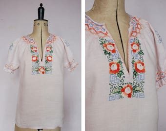 Vintage 1950s 60s linen embroidered peasant blouse - Peasant blouse - Embroidered blouse - Peasant top - Folk blouse - Gypsy blouse - Boho