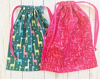 Shoe bags - Cotton - Drawstring - Travel Bag - Travel Organization - Travel Shoe Bag - Set of Two - Dogs - Giraffes - Toiletries Bag - Kids