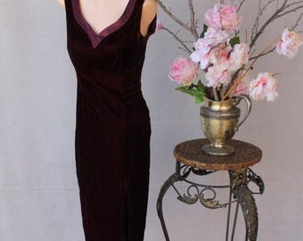 FABULOUS 50% Off SALE 80's Burgundy Velvet Sleeveless Wiggle Dress Side Slit Sweetheart V Neck Bow Detail Back by Donna Ricco New York Petit