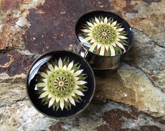 Black, Yellow and Green Kaliedoscope Plugs, gauges  00g, 7/16, 1/2, 9/16, 5/8, 3/4, 7/8, 1 inch