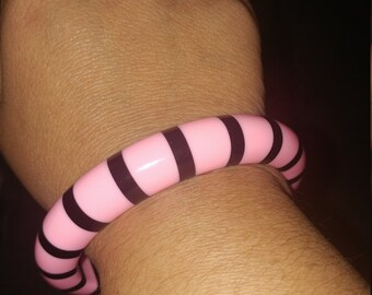 Beautiful Vintage 60s Lucite Pink And Black Stripe Bangle Bracelet