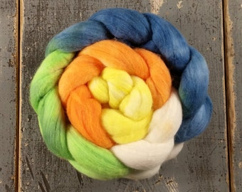 Merino Hand Dyed Roving (Combed Top) Hand Painted 4 oz - Tropical Fish Gradient