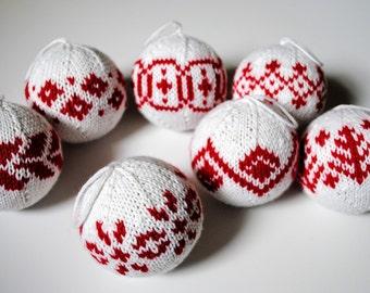 7 Fair-Isle Christmas Balls