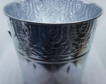 Metal Tins in silver color
