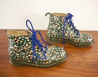 Vintage Rare Doc Dr. Martens Flower Floral Leather Boots Size 7 US 5 UK Made in England