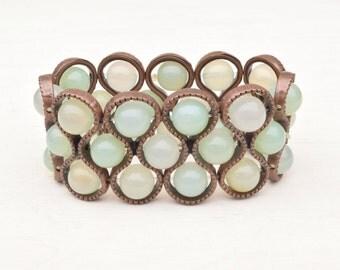 Agate bracelet, Gemstone cuff, Agate jewelry, Stretch cuff, Green bracelet, Gift for her, Light green bracelet, Beaded cuff, Agate beads