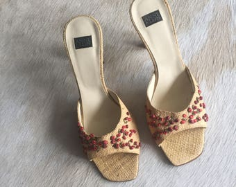 SALE / Vintage Basket Weave Floral Pumps / Nineties Open Toe Italian Heels / Size 7 1/2