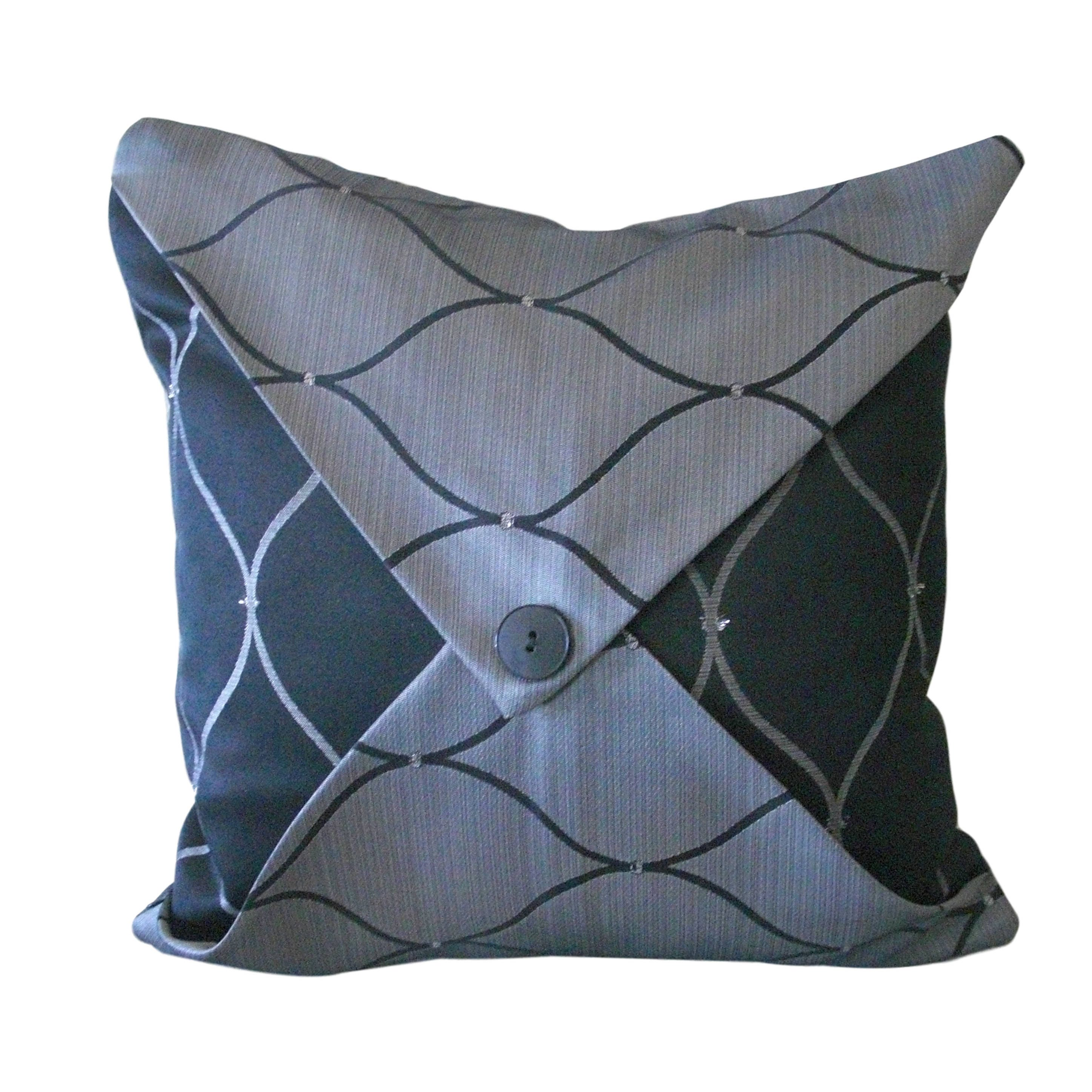 Kuwaha Jacquard Decorative Accent Throw Pillow Covers; Gray and Black