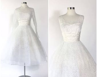 Vtg 50s white lace full skirted pinup wedding dress / matching crop jacket / satin gathered waist / full circle skirt / tulle net cupcake