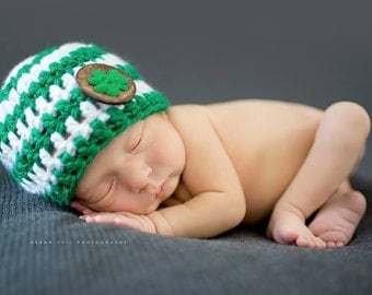 St. Patrick's Day Newborn Hat  - Chunky Green and White Baby Hat with Wood Button and Shamrock - Irish Green - St. Patricks Day Baby