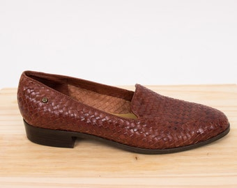 Etienne Aigner woven loafers / womans size 8.5 / vintage 80s / brown leather loafers / italian leather loafers / * flawed *