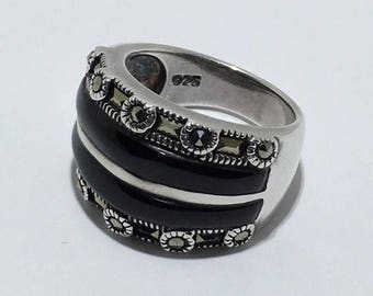 Beautiful & Unique Vintage Black Onyx, Marcasite Ring In Solid Sterling Silver Sz 7
