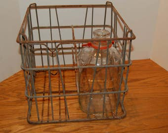 Vintage Milk Crate, Metal Milk Carrier, Divided Milk Carrier,  Wire Storage Box, Dairy Farm Decor, Rusty Patina, Metal Box, Milk Crate
